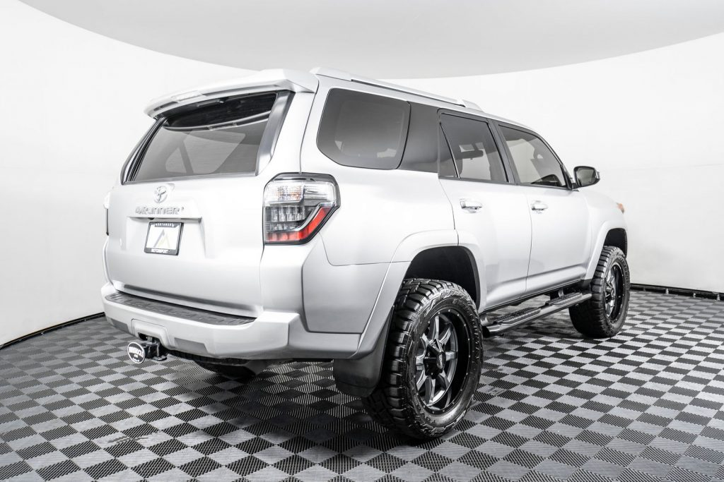 there are a number of ways you can lift this SUV