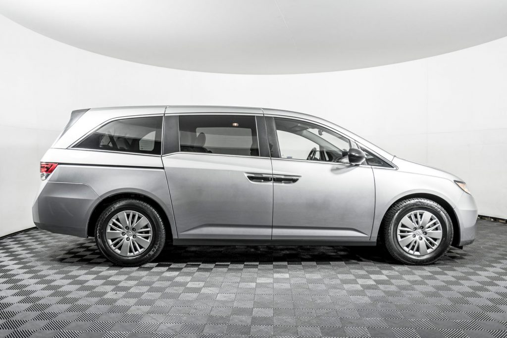 looking for the best vehicle for carpooling? well, check out the Honda Odyssey!