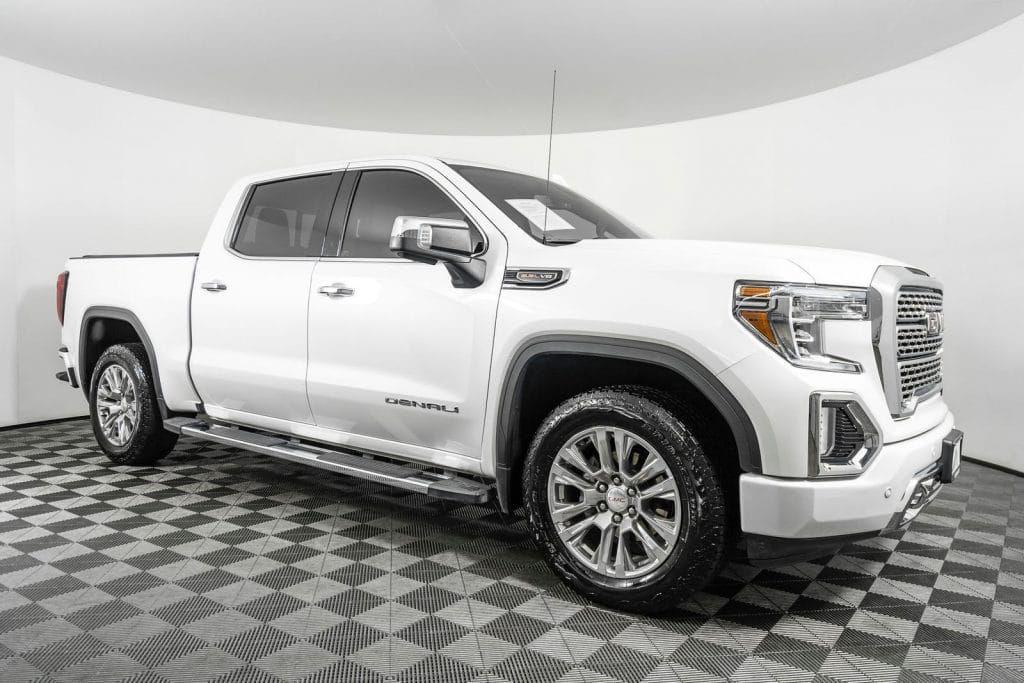 who doesn't love a GMC Sierra 1500? no one, so, one of the most popular pickup trucks out there