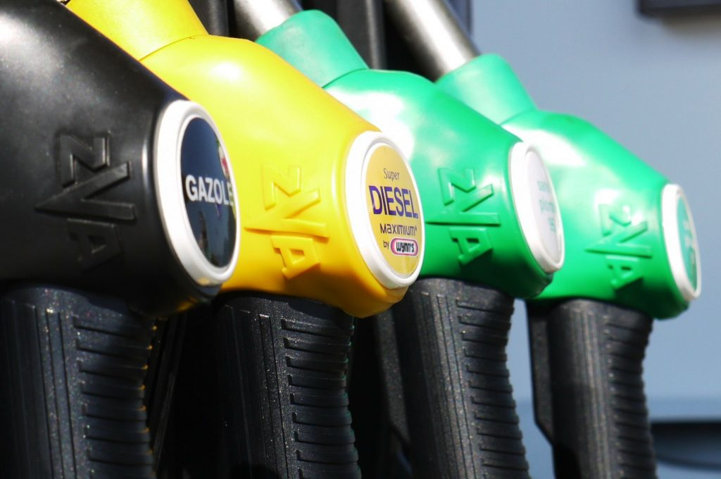 what's the difference between diesel and gas engine trucks?