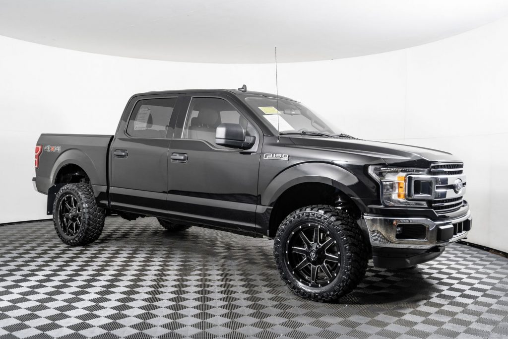 simple yet sleek 2019 Ford F150 XLT 4X4