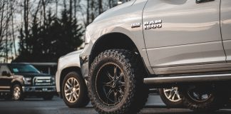 NWMS buyer's guide for steps for lifted trucks