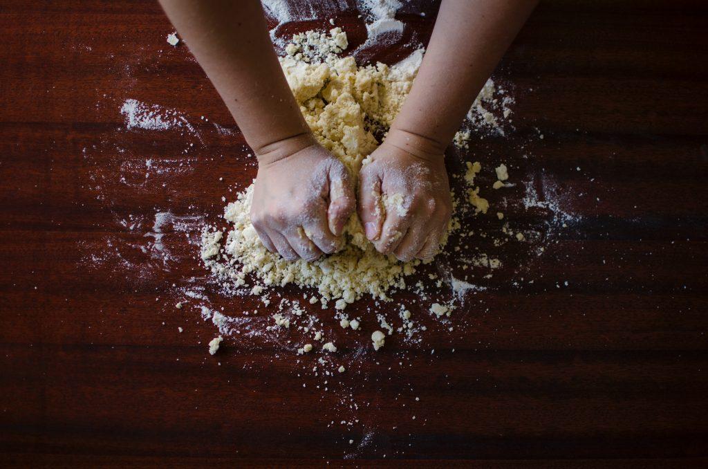 Shayla Nelson loves to bake!